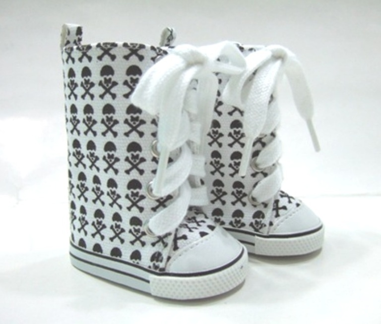 High Top White Skull and Crossbones Tennis Shoe